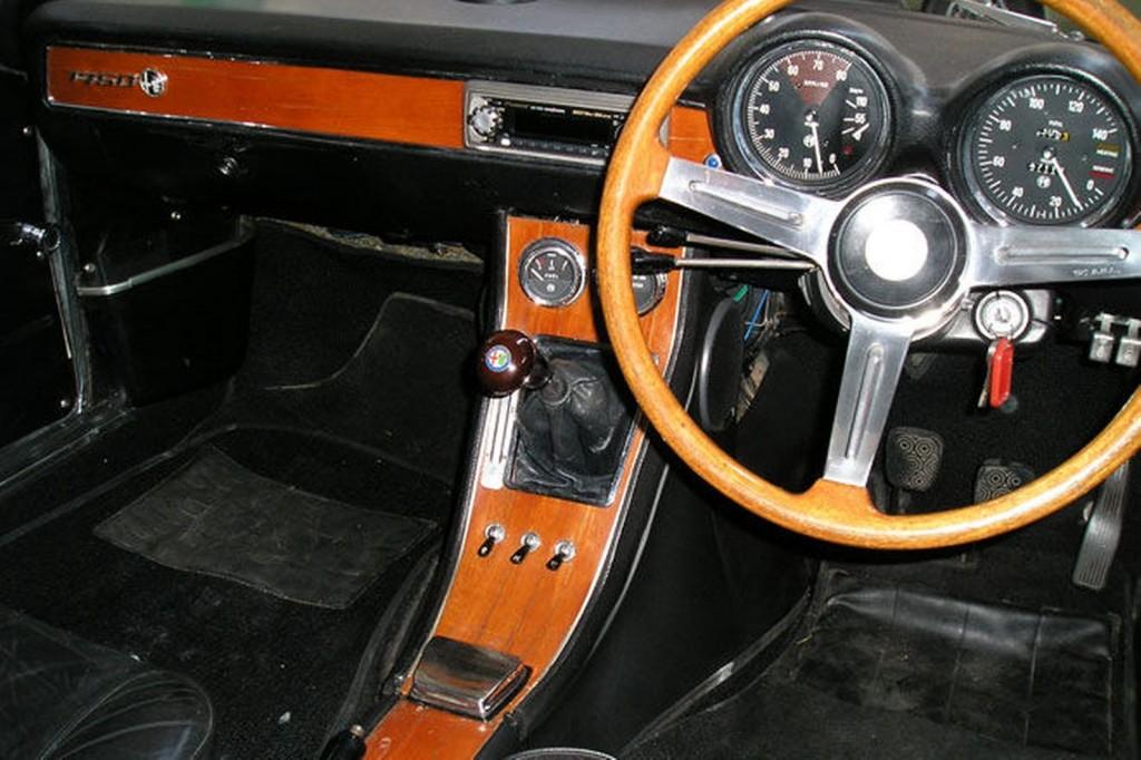 1969-alfa-romeo-1750-gtv-105-coupe